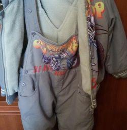 Κοστούμια για ένα αγόρι (1-1,5 ετών)