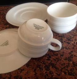 Porcelain cups with saucers new