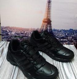 Αθλητικά παπούτσια 40,41,42,44 p.