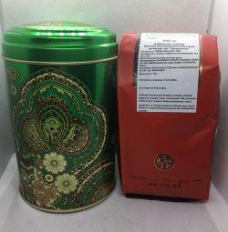 Подарочный чeрный чай в банке