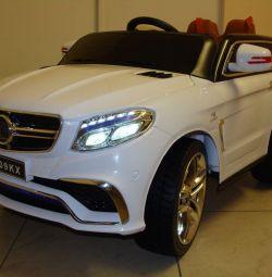 Дитячий електромобіль Mercedes GLE Brabus Білий