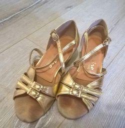 Παπούτσια χορού