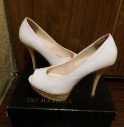 Sandale albe din centro