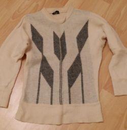 white sweater in diamond size 40 size 42 Angora