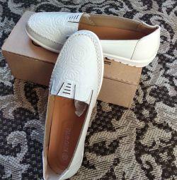 Pantofi pentru femei 40r