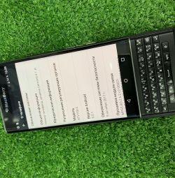 Мобільний телефон BlackBeryy STV100-4