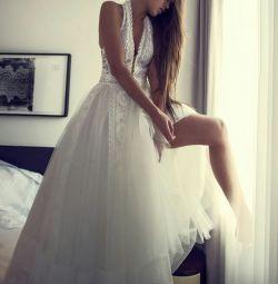 Γαμήλιο φόρεμα με το στυλ του Boho Zahavit Tsuba