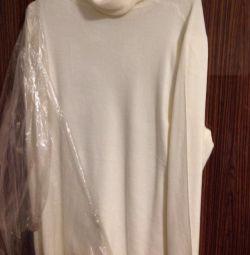 Новый свитер белый 56 р