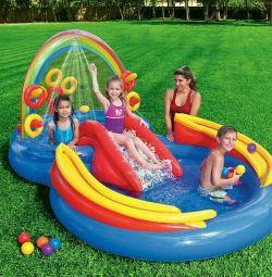 Centrul de joacă pentru apă gonflabilă (piscină)