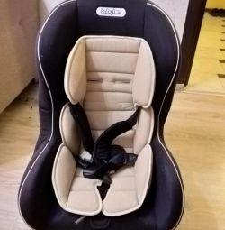 автомобільне крісло від 0 до 5 років ..