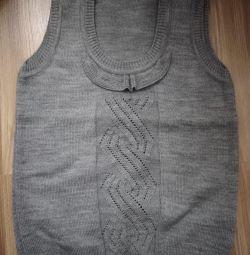 New sleeveless for girls.