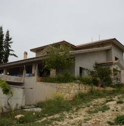Incomplete House in Apesia, Limassol