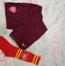Shorts and knee socks 122-128