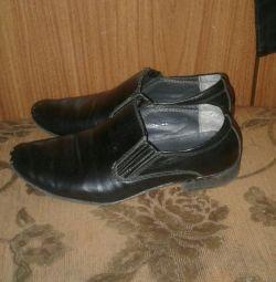 Oğlan için ayakkabı