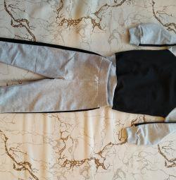 Στολή (σακάκι και δύο παντελόνια)