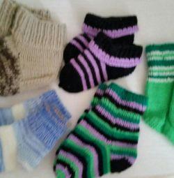 В'язані шкарпетки і рукавиці