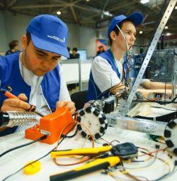Electrician pentru repararea echipamentelor electrice