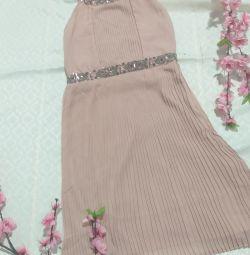 Φόρεμα ενός ακριβού εμπορικού σήματος