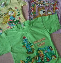 Tricouri noi pentru fete. 60 ruble / buc