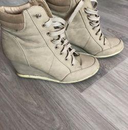 Στις δεξαμενές μπότες το φθινόπωρο