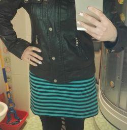 Μαύρο σακάκι με άνοιξη