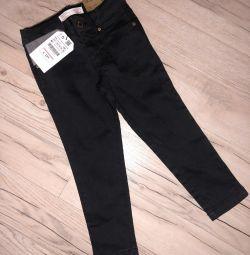 Jeans Skinny Zara pentru o fata de 3-4 ani