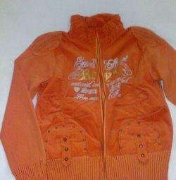 Orange sweater with a zipper