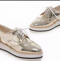 Women's shoes gold