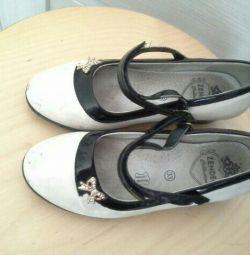 P33 ayakkabı