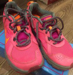 Sneakers Naik original 35r