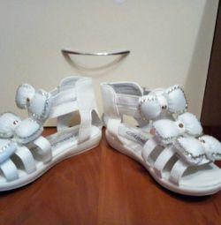 Sandale alb