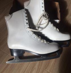 Women's skates for figure skating 40 size