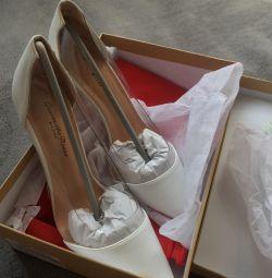Gianvito Rossi pantofi noi alb