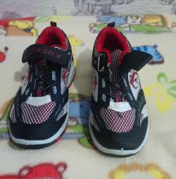 Παιδικά παπούτσια για το αγόρι