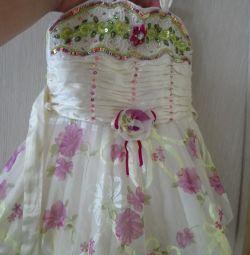 1-1.5 yıl bir kız için elbise