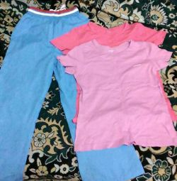 Sweatpants and T-shirts for a girl of 9-10 years.