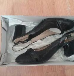 Туфли с открытым задником 40 размер.