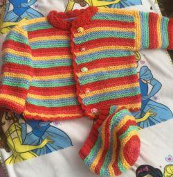 Jachetă tricotată și beret