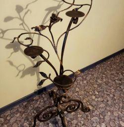Подскавка под цветы кованная