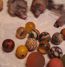 Jucării pentru pisici
