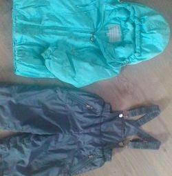Μπουφάν, παντελόνι, κοστούμι κορίτσι για την άνοιξη. ΝΙΚΗΤΗΣ