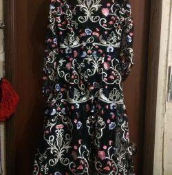 Шикарні нарядні сукні 42-44-й розмір