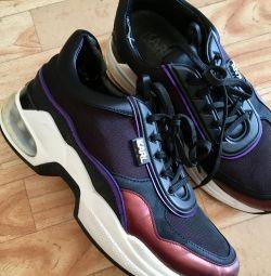 S παπούτσια του Karl Lagerfeld