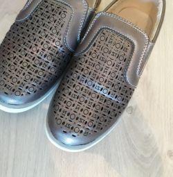 Παπούτσια 34-35r. νέα στο κουτί