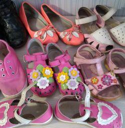 🔤 Pantofi pentru grădiniță și nu numai