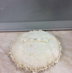 Свадебная подставка для колец