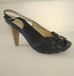 Δερμάτινα παπούτσια για γυναίκες