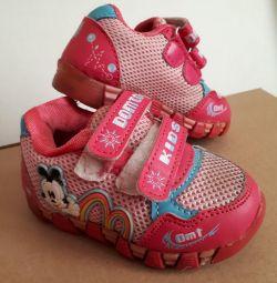 Sneakers for children for girls URGENT