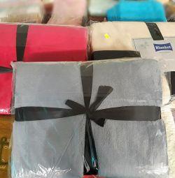 Κουβέρτες σε διάφορα μεγέθη και χρώματα