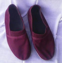 Женская обувь по